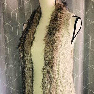 Dress Barn Knit Vest Faux Fur Lining Size Small